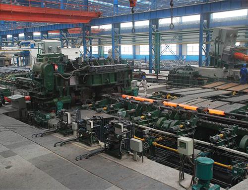 生产不锈钢机器运作中